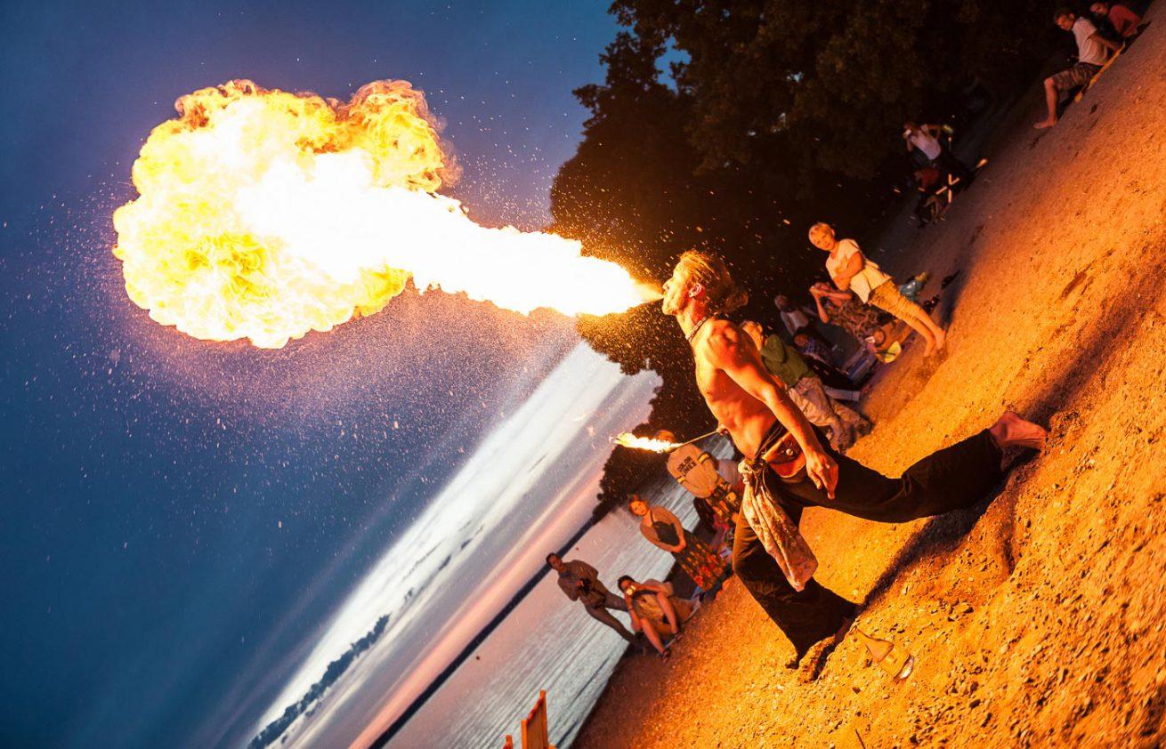 Feuerspucker Beachbar Übersee am Chiemsee