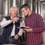 WFT - Winzer prüfen die Weinqualität